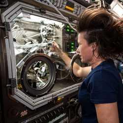 علوم فضايي چيست؟ درباره علوم فضايي بدانيد