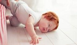 افتادن کودک از تختخواب والدين چه بايد بکنند؟